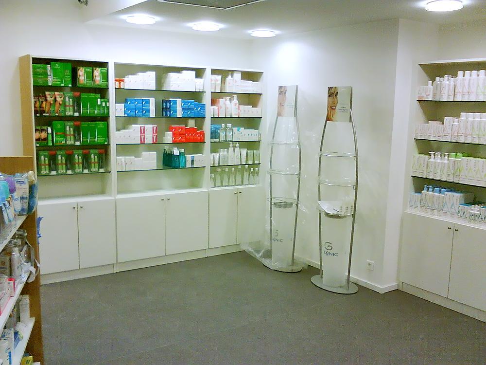 L 39 am nagement int rieur de pharmacies cr ations daniel for Amenagement interieur pharmacie